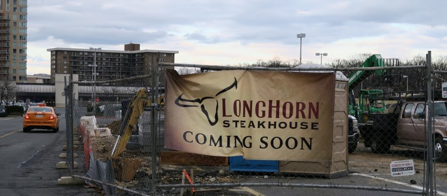 Longhorn Steakhouse, Falls Church - News -